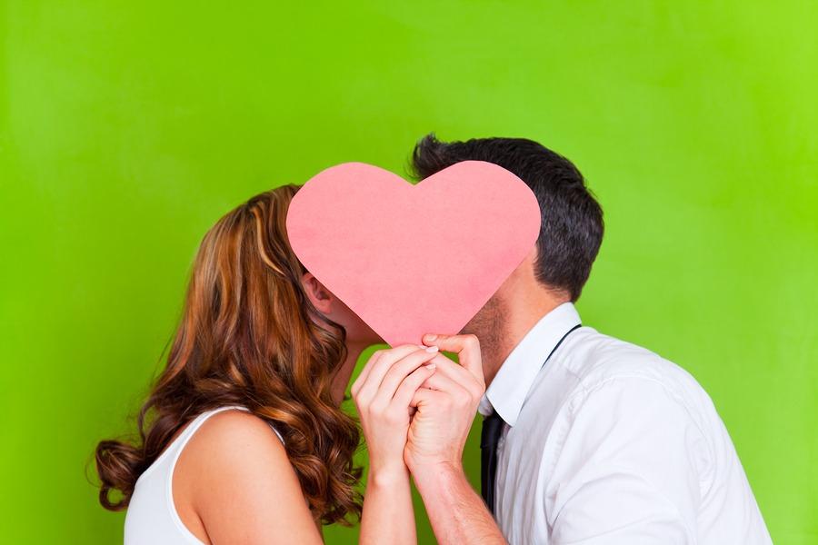 Valentinstag-Geschenk (Bild: (c) altafulla, www.bigstock.com)